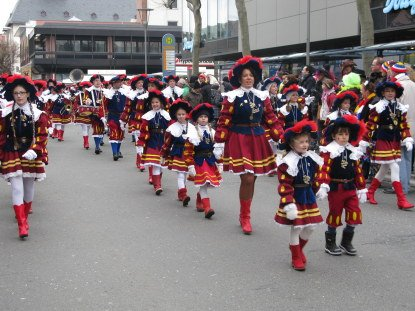 Mainz Carnival Children's Parade cadets and band