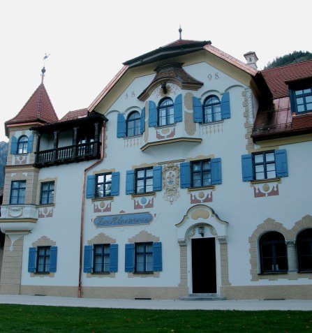 Side of Hotel Alpenrose am See in Hohenschwangau